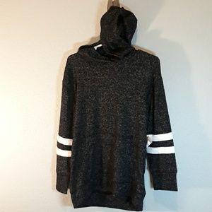 NWT boys size 5 oldnavy hooded shirt